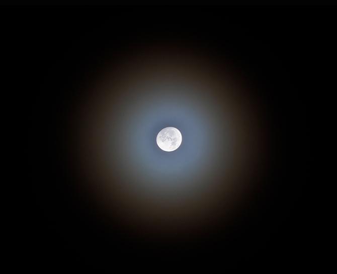 Moon-Halo